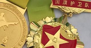 国旗护卫队纪念章,军人光荣退伍纪念章,士兵退役留念纪念章,战友聚会纪念章(图)